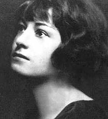 220px-Young_Dorothy_Parker
